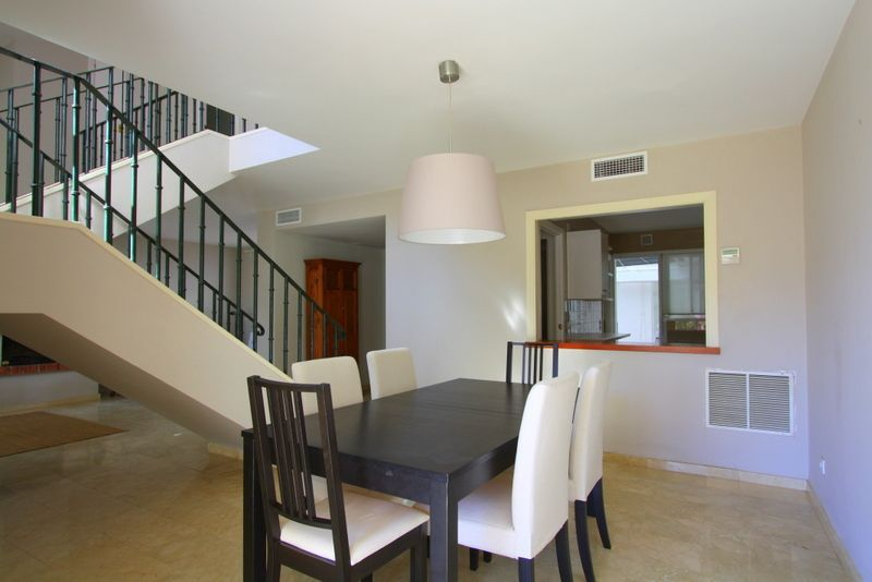 Semidetached house for sale in aloha golf