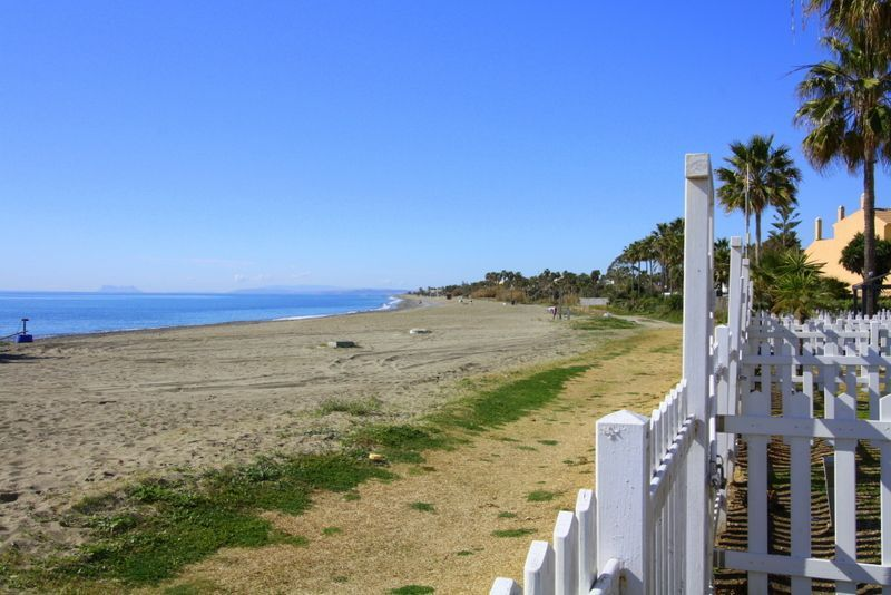 Semi-detached houses for sale beach front Marbella